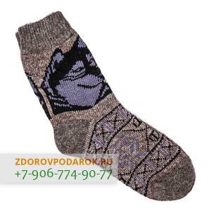 Темные шерстяные носки с волком