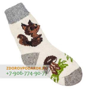Белые шерстяные носки с белочкой и грибами