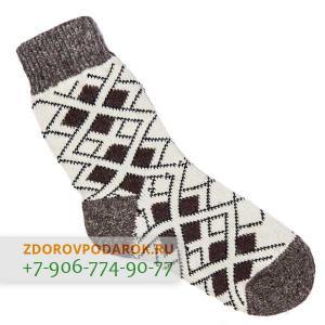 Светлые шерстяные носки с ромбиками