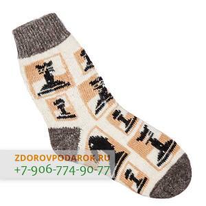 Белые шерстяные носки с шахматами