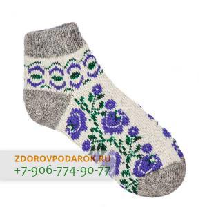 Низкие шерстяные носки с синими цветами